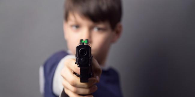 Почти всяка седмица в САЩ малки деца стрелят по някого