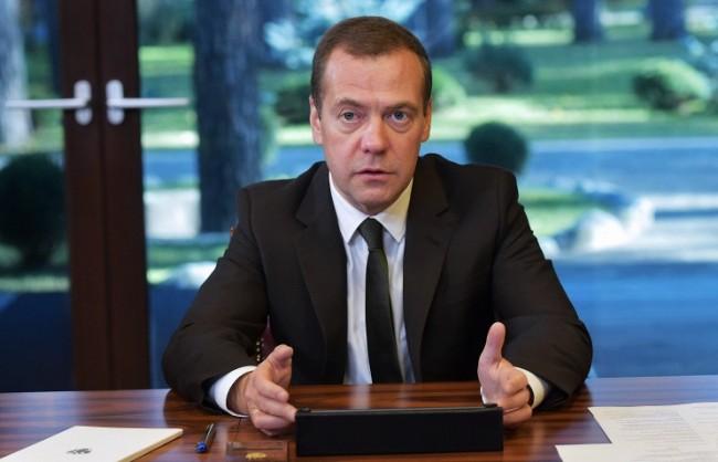 Медведев: Русия ще помогне на Сирия да отстоява суверенитета си