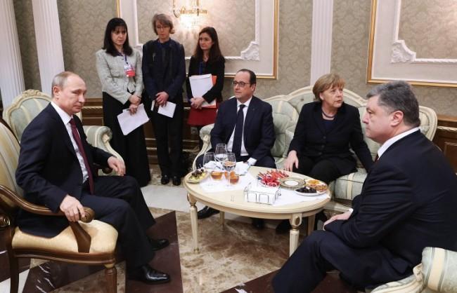 """Путин ще обсъди с колегите си от """"нормандската четворка"""" реализацията на Минските споразумения"""