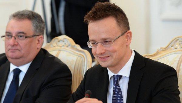 Сийярто: Трябва най-накрая да признаем, че проблемът с бежанците няма да се реши без Русия