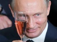 Путин отбелязва 63-тия си рожден ден на хокейната площадка