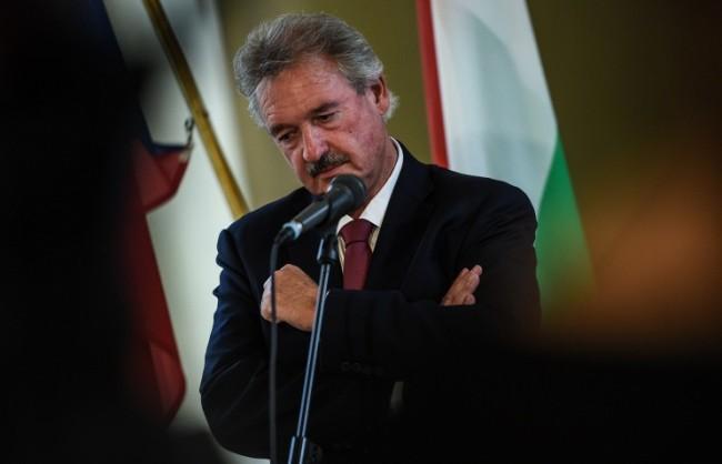 Съветът на ЕС реши да снеме за четири месеца санкциите срещу Беларус