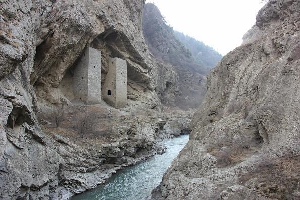 На снимка: Ушкалойските кули в Чечения, XI век.