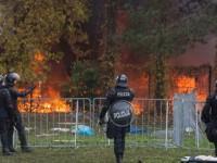 Мигрантите унищожиха приемния център, защото бързаха за Германия