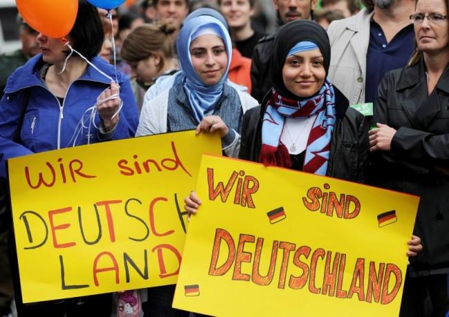 EurActiv: Европа депортира икономическите мигранти