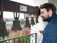 Звънар е уникална руска професия. Снимка: Антон Чурочкин.