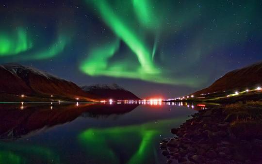 Красота! Северно сияние озари Русия (видео)