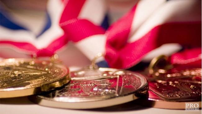 Българчета се върнаха със златни медали от Международна олимпиада в Русия