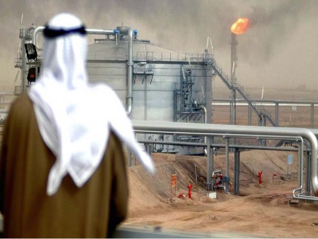 Саудитска Арабия започва настъпление на традиционен руски терен, доставяйки евтин суров петрол на Полша