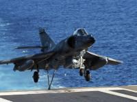 """Франция нанесе въздушни удари по ИД в Сирия от самолетоносача """"Шарл дьо Гол"""""""
