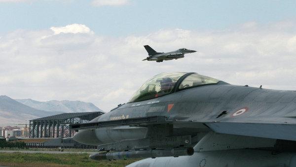 Hurriyet: Турските ВВС са прекратили полетите над Сирия