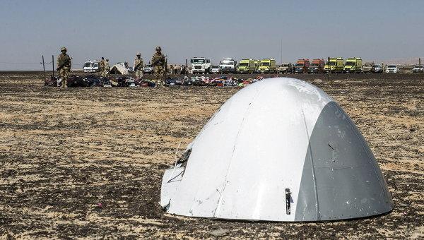 На мястото на самолетната катастрофа в Египет са намерени 12 големи части от фюзелажа