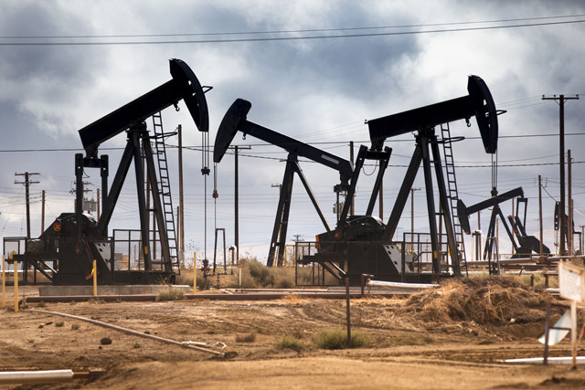 ОПЕК ще се заеме със стабилизирането на цените на петрола