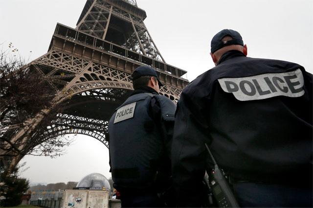 Франция е зависима държава. И плаща за това