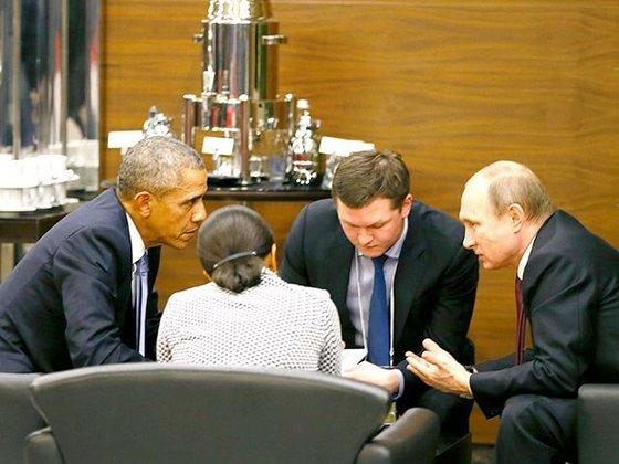 """Шпионин"" подслушва Путин и Обама (видео)"