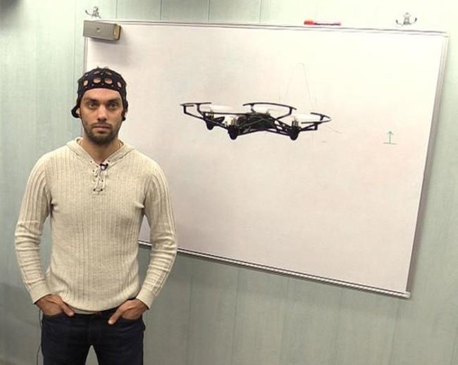 Руски учени създадоха дрон, управляван със силата на мисълта