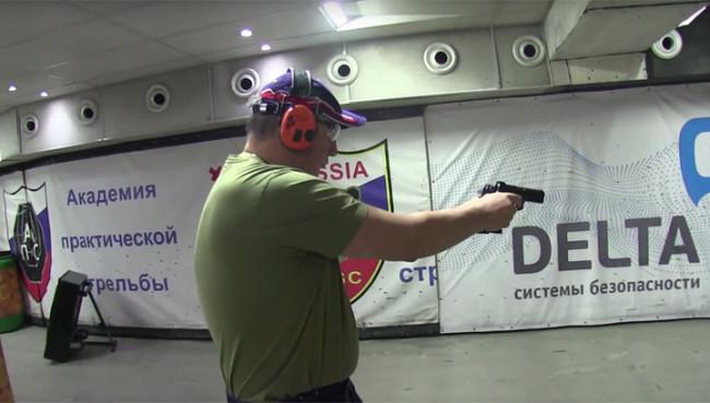 Рогозин демонстрира завидни умения по точна стрелба