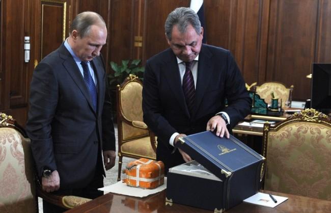 Черната кутия на сваления Су-24 бе открита и представена пред руския президент