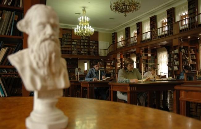 """Читателски маратон, посветен на класиката на Лев Толстой """"Война и мир"""", се проведе в Русия"""