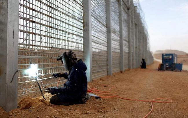 Латвия започна изграждането на ограда по границата с Русия
