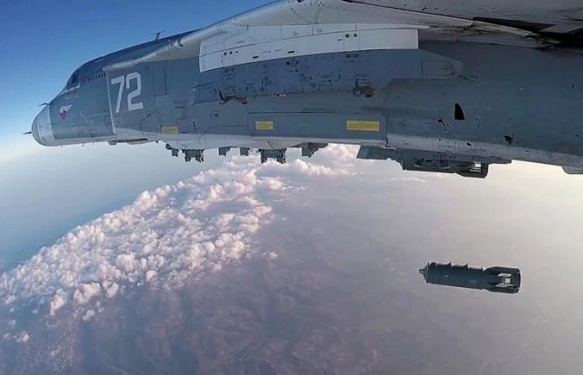ВКС на РФ унищожиха в Сирия 23 автоцистерни с петрол, насочили се към Турция