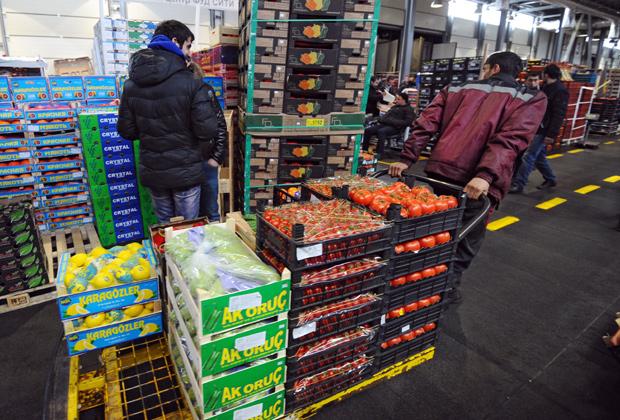 От днес Русия спира вноса на турски и украински храни
