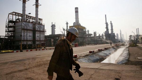 WSJ: Иран започва да доставя петрол за ЕС през февруари