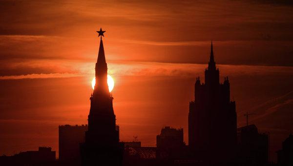 """Кънингам: Митът за """"червената заплаха"""" от Русия вече не работи на Запад"""