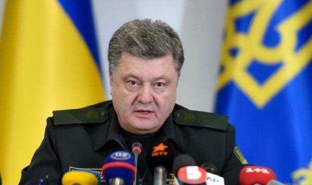 Кадри от сваления руски самолет станали част от новогодишното поздравление на Порошенко