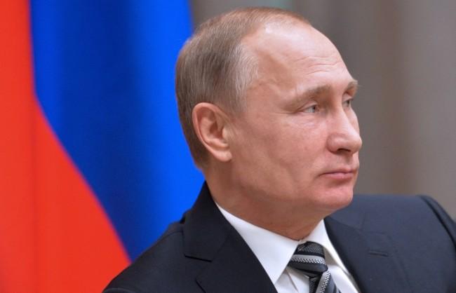 Песков: Путин засега не е решил дали ще се кандидатира за нов мандат през 2018 г.