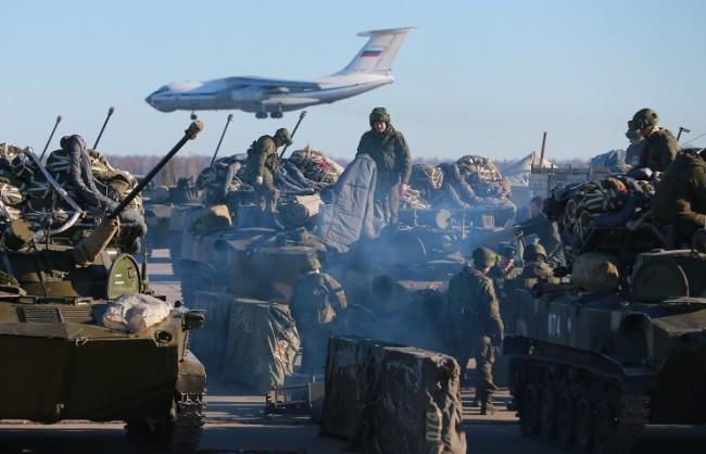 Шойгу: През 2016 г. Русия ще сформира три нови дивизии на западния фланг