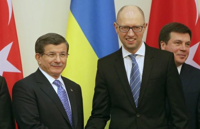 Давутоглу: Анкара не е изпращала военни в Сирия