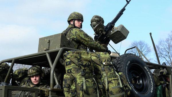 """Defense News: ЕС увеличава разходите за отбрана заради """"страха от Русия"""""""