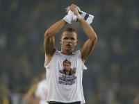 Кремъл не коментира ситуацията около футболиста, излязъл на терена с тениска с лика на Путин