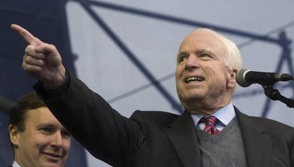 Маккейн: Редица европейски страни търсят начин да избегнат санкциите срещу Русия