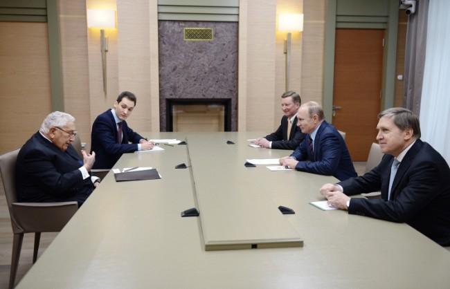 Песков: Путин проведе среща с бившия държавен секретар на САЩ Хенри Кисинджър