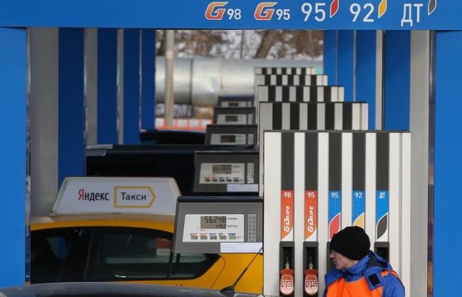 Путин утвърди повишението на акциза на бензина от 1 април