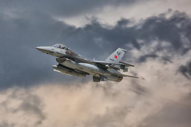 """""""Российская газета"""": България се лиши от военновъздушния си суверенитет заради НАТО"""