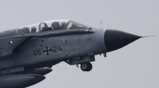 """""""Без инциденти, само професионализъм"""": Руските изтребители следват неотлъчно немските самолети в Сирия"""