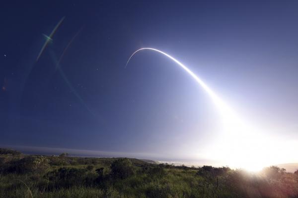 Политолог: Целта на изпитанията на балистични ракети от САЩ е сплашване на другите страни