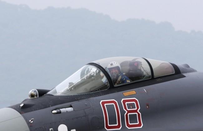 Най-новите Су-35 започват денонощни дежурства в Сирия