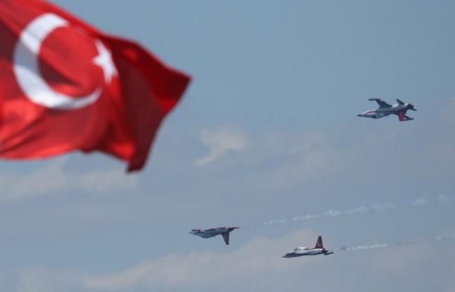 До понеделник Анкара трябва писмено да обясни решението си да откаже наблюдателен полет на Русия