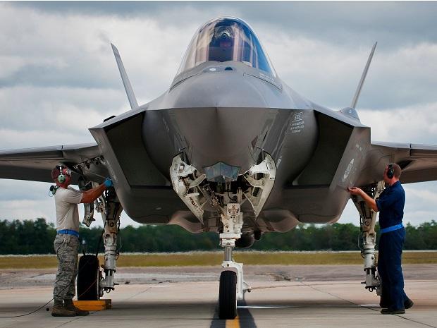 Дългоочакваният от Пентагона изтребител F-35 се оказа провал