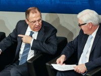 """Франк-Валтер Щайнмайер е провел """"сериозен"""" разговор с руския си колега"""