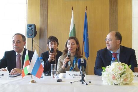 """Министър Ангелкова: """"Благодаря на руските туристи за доверието към нашата страна"""". Снимка: Оля Ал-Ахмед"""