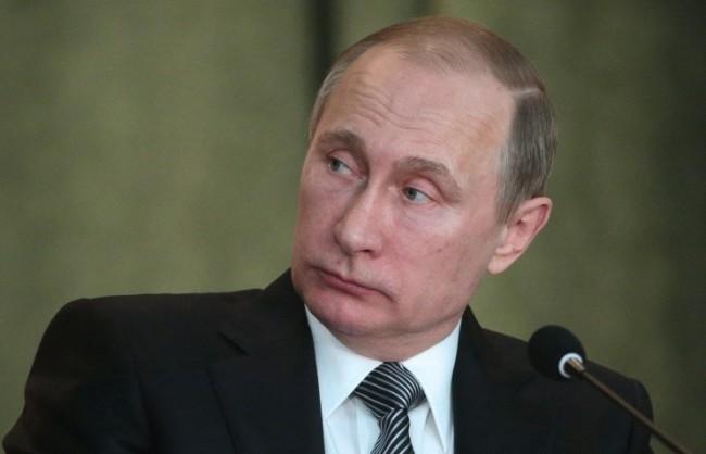 """Кремъл: Готви се """"неприкрита поръчкова"""" информационна атака срещу Путин"""