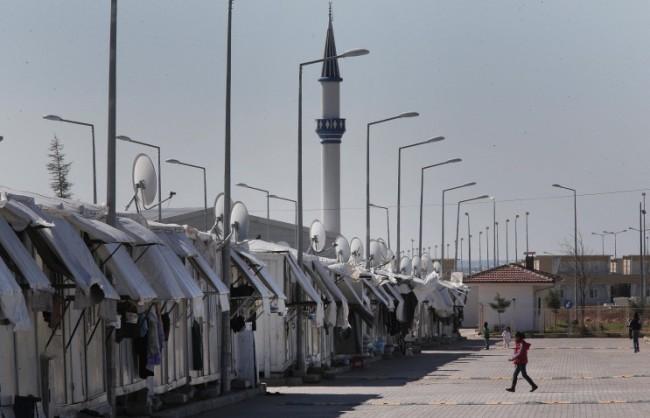 The Times: Турция разстрелва бежанците, опитващи се да преминат границата от страна на Сирия