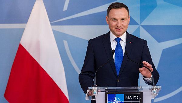 """Полският президент призова страните от НАТО да """"покажат характер"""" пред Русия"""