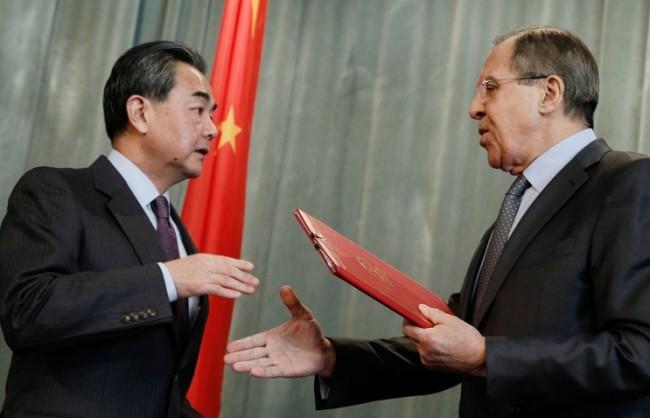 Лавров: Диалогът между Русия и Китай нормализира международната обстановка