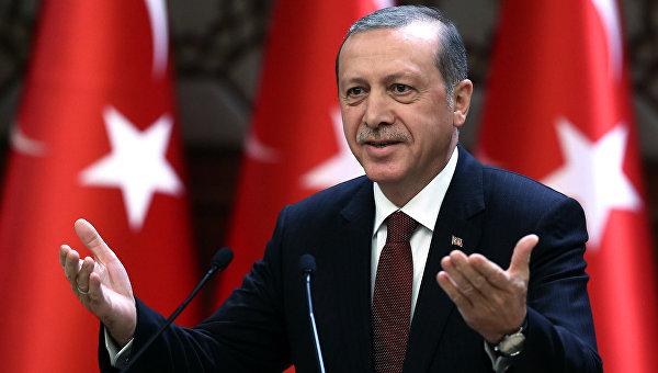 Ердоган подаде жалба срещу немски комик заради оскърбителни стихове по негов адрес